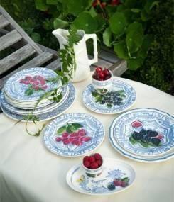 Французский фаянс Gien Коллекция посуды в синем цвете OISEAU BLEU – FRUITS (Синяя птица и фрукты)