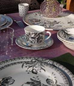Французский фаянс Gien Коллекция посуды TULIPES NOIRES (Черные тюльпаны) в изысканном черном цвете