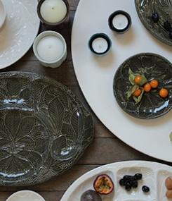 Французский фаянс Gien Рельефная коллекция посуды Reliéfés (Рельефы)